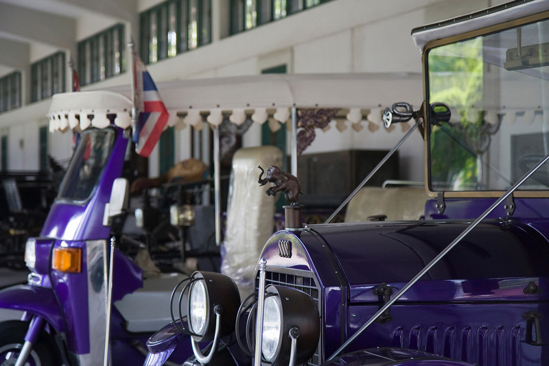 Some of the (former) kings' cars, in Vimanmek Palace