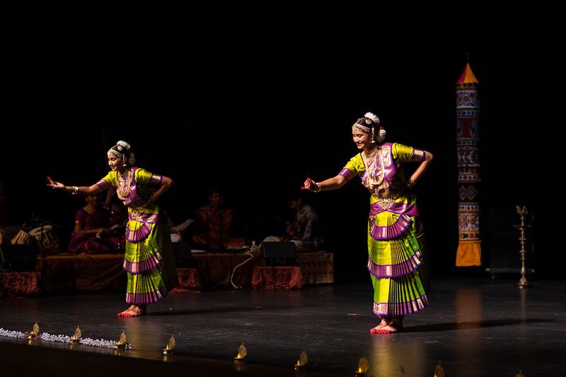 PriyaShreyaDance-0321.jpg