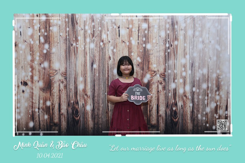 QC-wedding-instant-print-photobooth-Chup-hinh-lay-lien-in-anh-lay-ngay-Tiec-cuoi-WefieBox-Photobooth-Vietnam-cho-thue-photo-booth-088.jpg