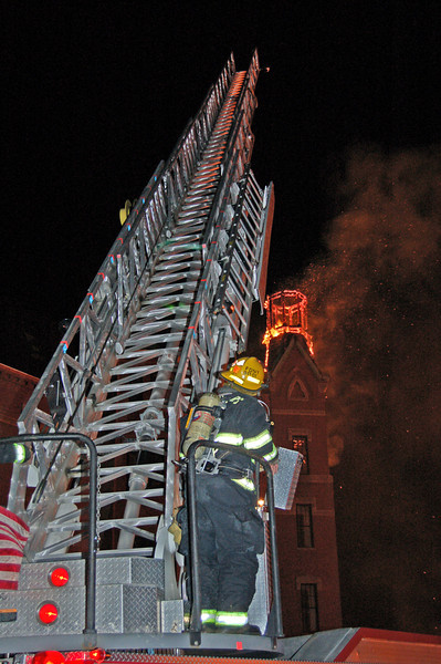 danvers fire april 033_edited-1.jpg