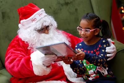 Deaf-Ed students visit ASL-fluent Santa at Bassett Place