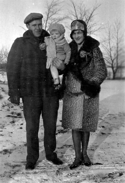 Everett and Anita Herdrich with Joyce