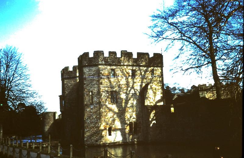 1959-3-15 Moat & wall sourounding Bishops Pallace Wells, Somerset5.JPG