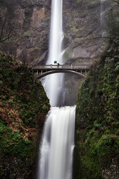 Multnomah Falls umbrella_1.jpg