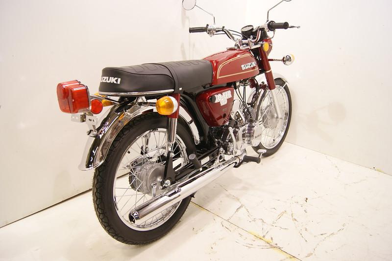1977A100 1-12 002.JPG