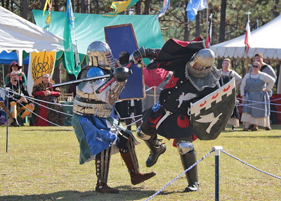 Fall Crown Tourney - Early fighting