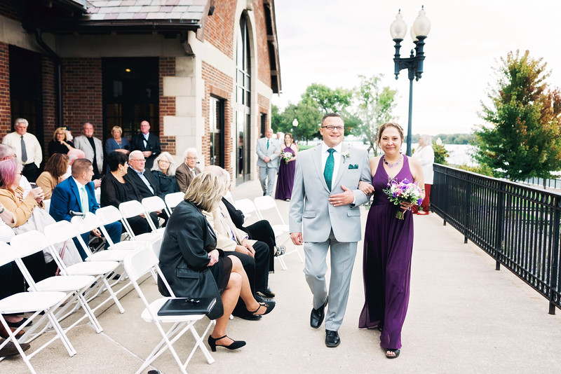 chateau-on-the-river-trenton-michigan-wedding-0228.jpg