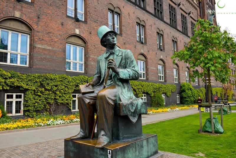 Hans Christian Andersen.jpg