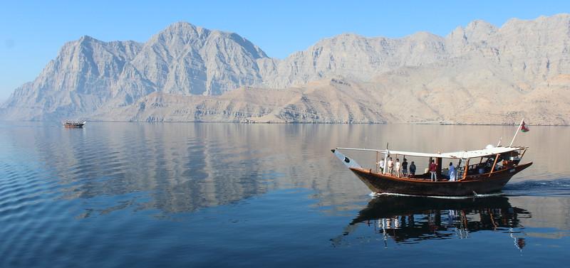Exploring the fjords on the Musandam Peninsula near Khasab, Oman – Josef Rokus