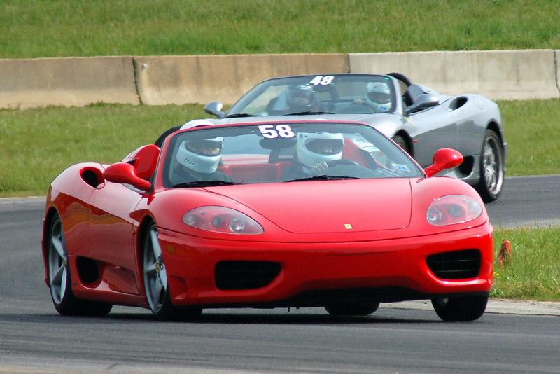 Ferrari 360s chasing each other