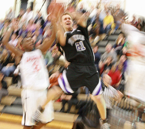 2009 MHSAA District Basketball Tournament: Pioneer vs Jackson