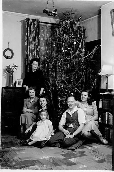 1943_Christmas.jpg