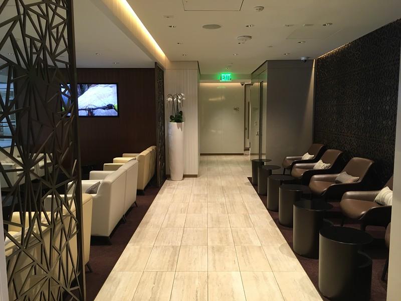 Etihad Lounge (3).JPG