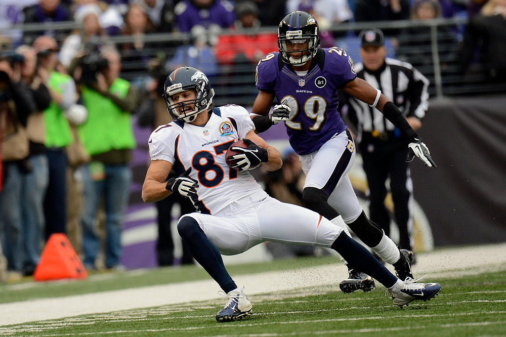 Description of . Denver Broncos wide receiver Eric Decker #87 pulls in a pass against the Baltimore Ravens at the M&T Bank Stadium, in Baltimore , MD Sunday December 16, 2012.      Joe Amon, The Denver Post