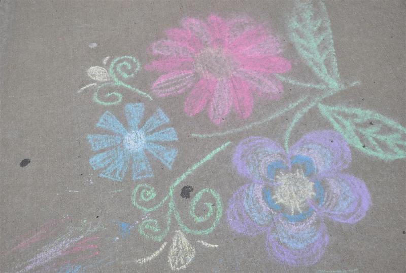sidewalk chalk art.jpg