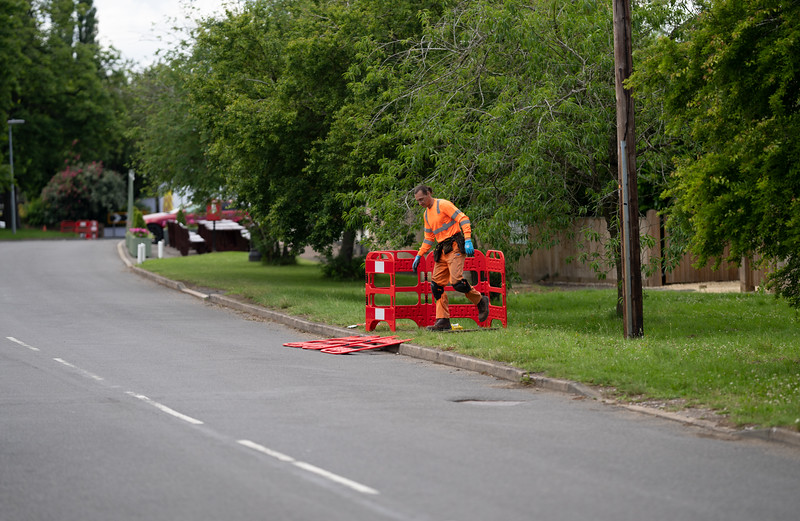 Installing underground fibre cables (7 July 2021)