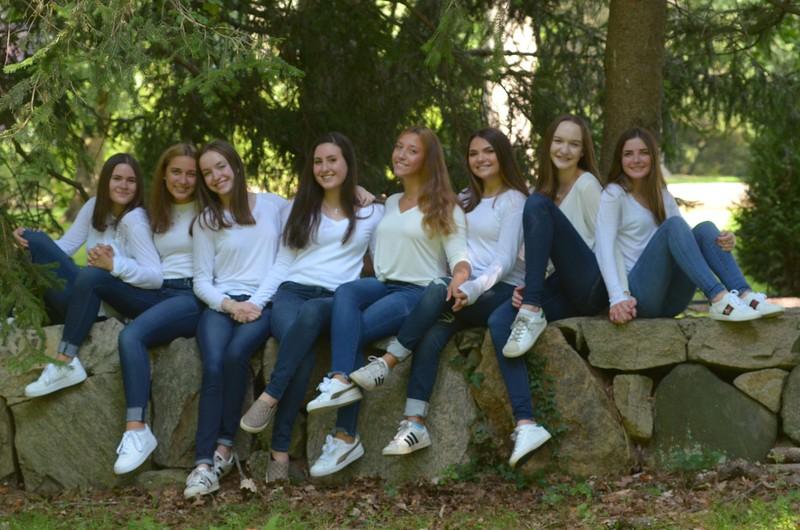 Julia Friend Group Pics - 64 of 308.jpg