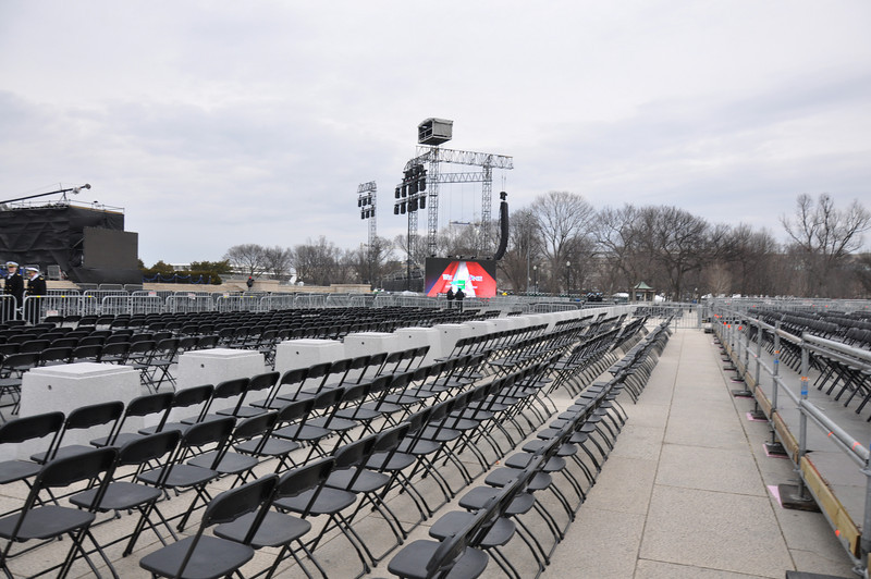 lucky people with seats (3000 of them)