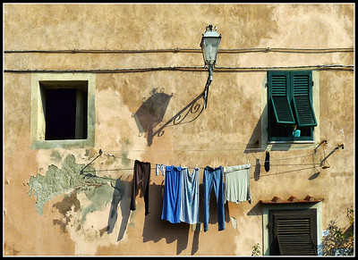 Windows: Hanging clothes