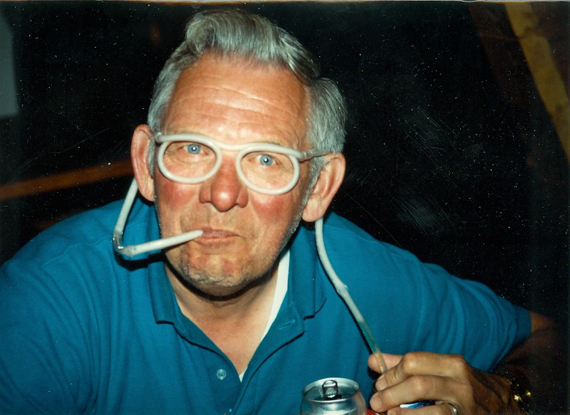 Dale with beer frame straw-001.jpg