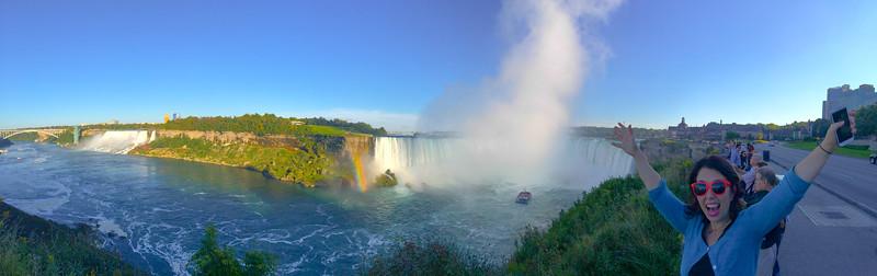 Niagara Falls panorama.jpg