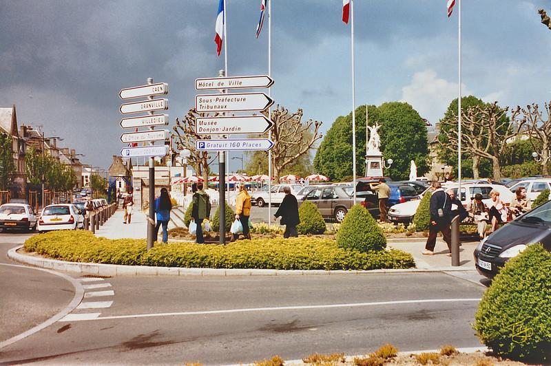 Avranches - 2002 - Centre-Ville - le Rond-Point