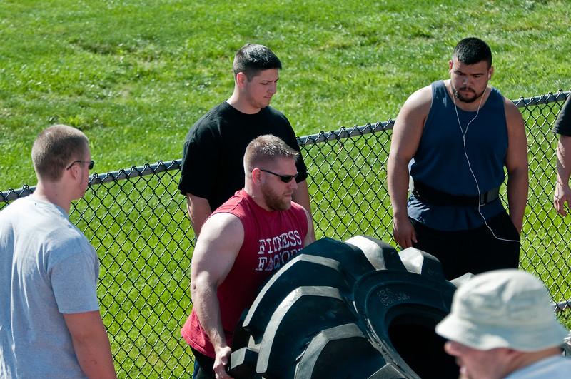 Strongman2009_Crowd_DSC0910-1.jpg