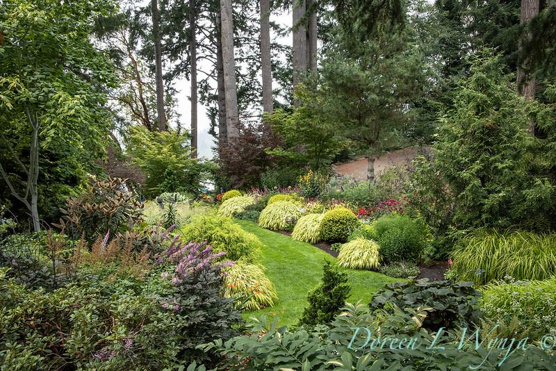 Whit & Mary Carhart garden_6205.jpg