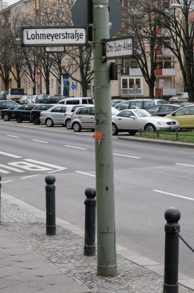In Frankfurt gibt es sogar eine Lahmeyerstrasse! Und in Fort Wayne (USA) eine Lahmeyerstreet.