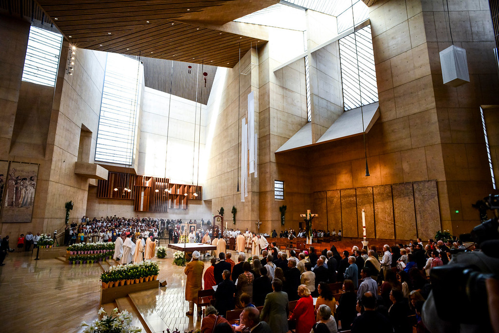 . A Mass of Thanksgiving in honor of the canonization of Saint John XXIII and Saint John Paul II at Our Lady of the Angels Sunday, April 27, 2014.   (Photo by David Crane/Los Angeles Daily News)