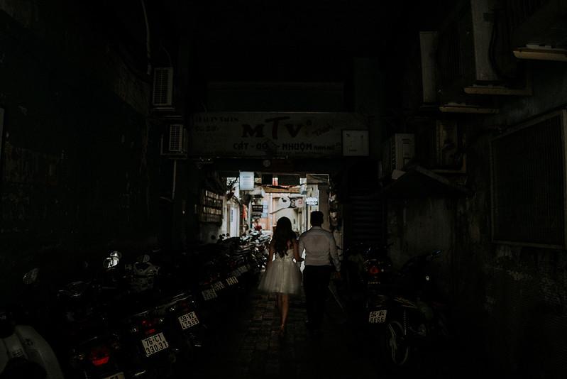 Tu-Nguyen-Destination-Wedding-Photographer-Saigon-Engagement-Shooting-Vietnam-Videographer-33.jpg