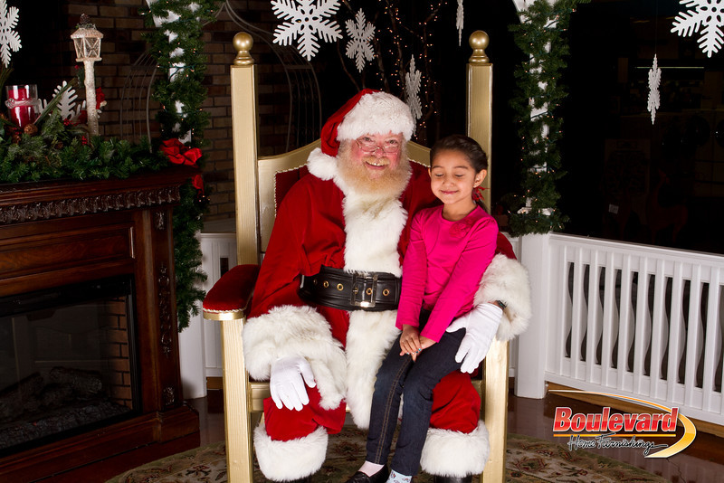 Santa Dec 15-224.jpg