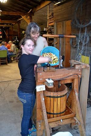 2012-09 Cider Making At Carlisle's