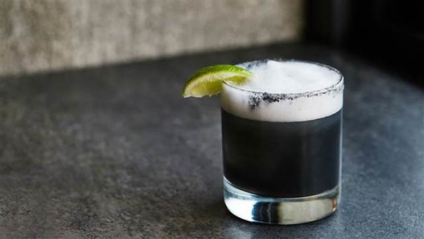 charcoal-midnight-margarita-today-20160302-tease_109ecff0adc42f6a2a336d3204dfcd0a-today-inline-large.jpg