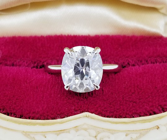 10 x 9mm Antique Cushion Moissanite in Stuller 123636