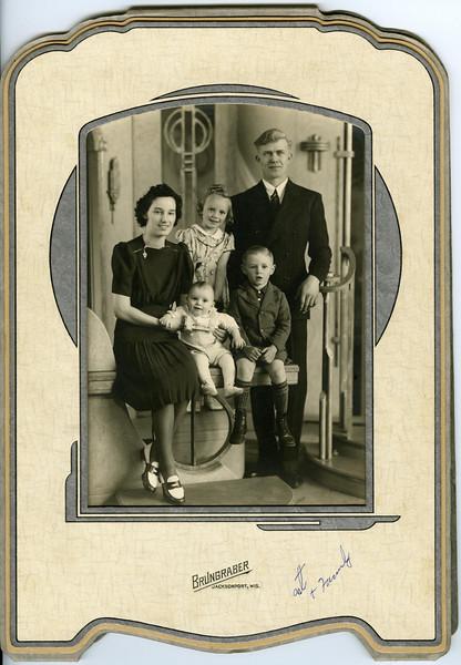 Art & Amelia Kohls with children Gertie, Harry & Donnie
