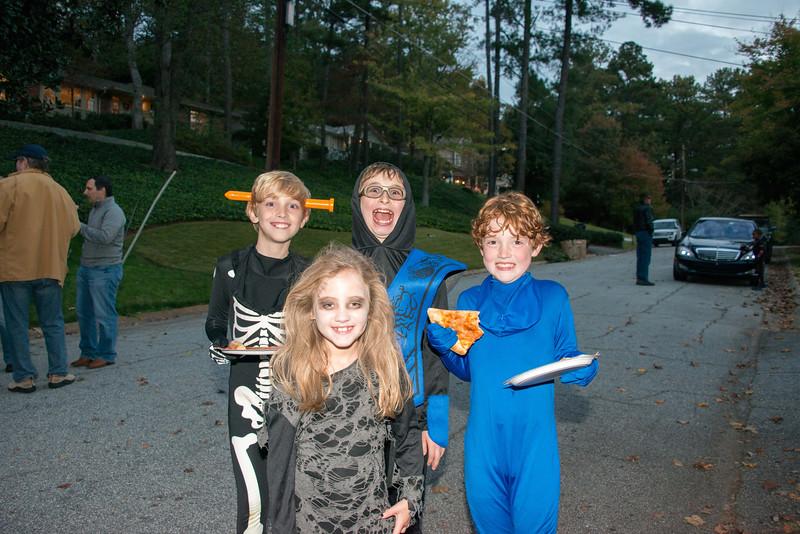 Halloween on Runnemede-11.jpg