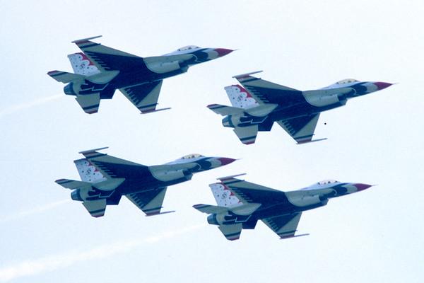 Thunderbirds - F16