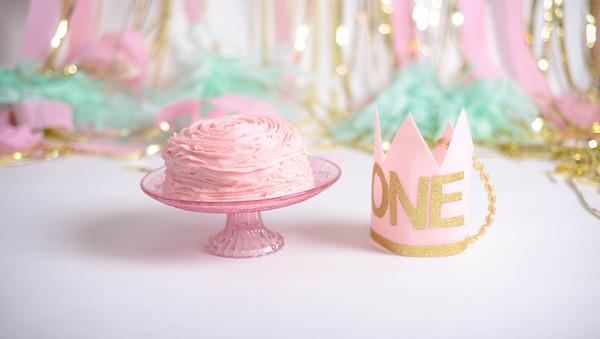 Leila 1st Birthday Cake Smash