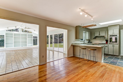 21 Jameswood Ave RS MLS
