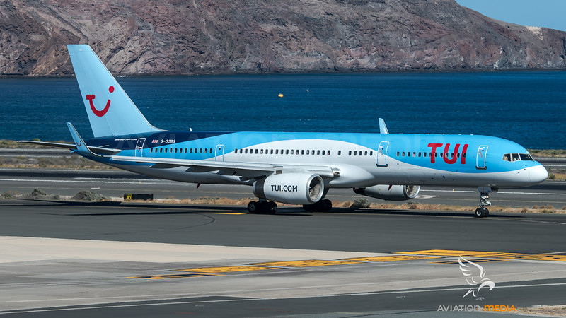 TUI Airways / Boeing B757-236(WL) / G-OOBG