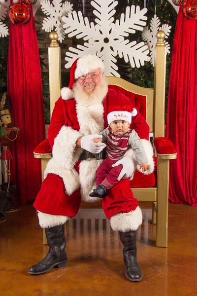 Santa 12-16-17-162.jpg