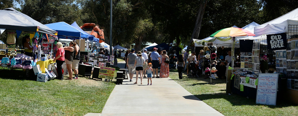 . Aug 31,2014, sylmar CA. People enjoy the arts and crafts during the 2014 Sylmar Olive Festival.  Photo by Gene Blevins/LA DailyNews