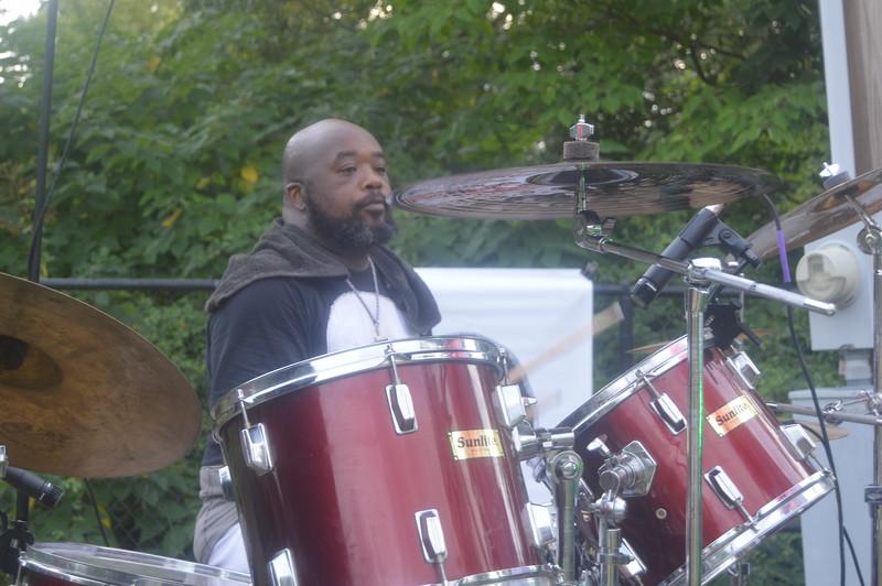 006 R. L.'s drummer.jpg
