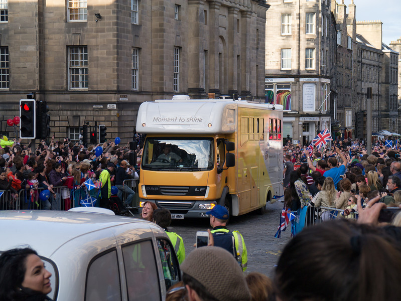 We could not see the torch go accross Bank St. because they parked the filming truck right in the way