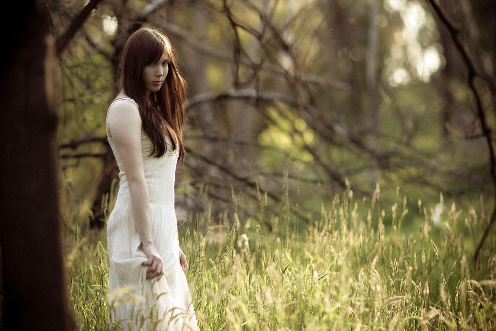 Sarah-lilred-AlexGardner-101010-04
