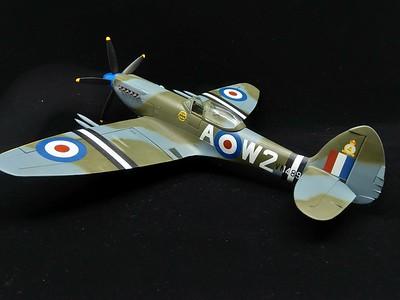 Spitfire 22/24