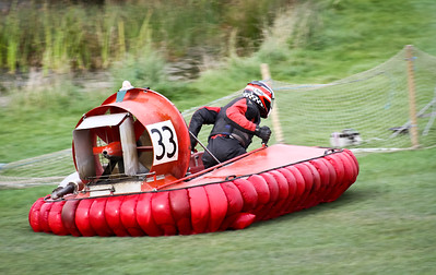 20120826 Hovercraft Racing, Gang Warily
