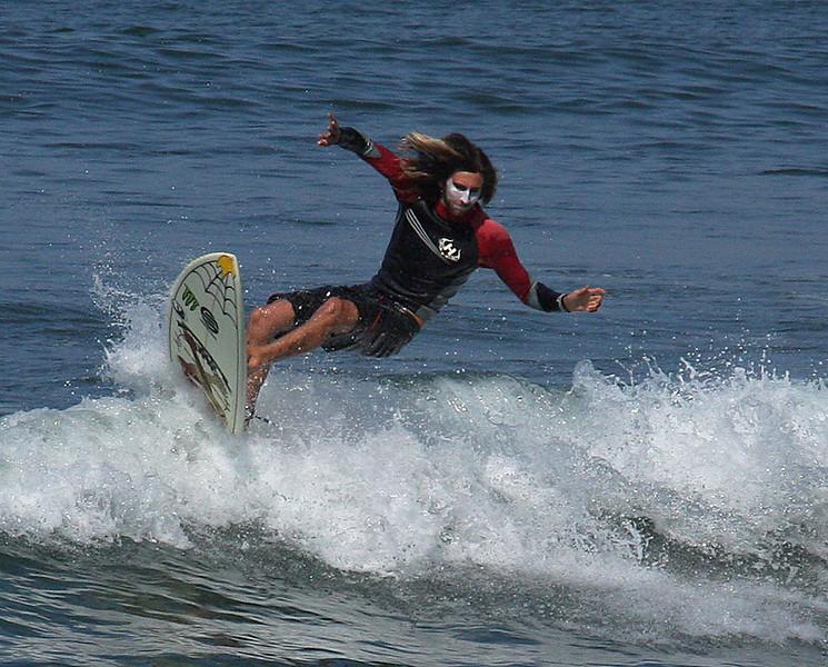 Surfing-002.jpg