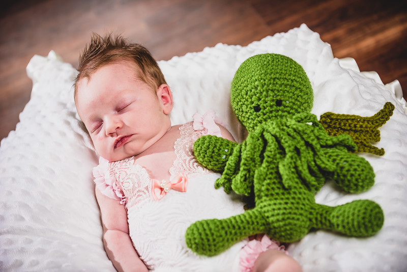 Penelope_Claire_Holmes_11_Days_Old_July_8_2017-1168.jpg